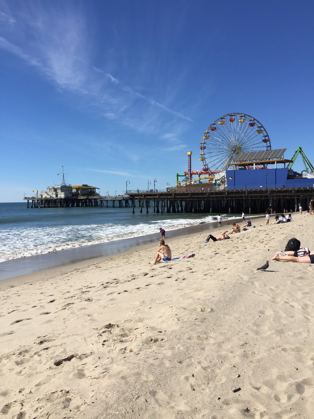 Santa Monica is a beautiful city west of downtown Los Angeles made up of 8.3 walkable miles. Santa Monica Beach is fringed by Palisades Park, with views over the Pacific Ocean.