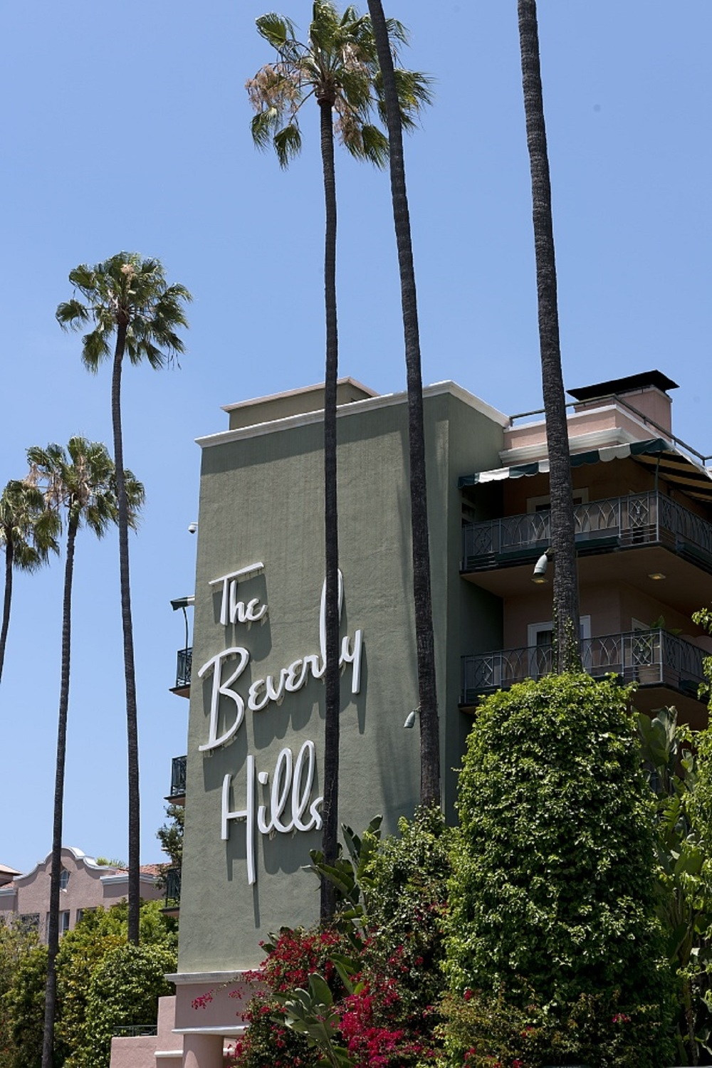 Beverly Hills is a city in California's Los Angeles County. Home to many Hollywood stars, it features the upscale shopping streets, world renowned hotels and plenty of entertainment.
