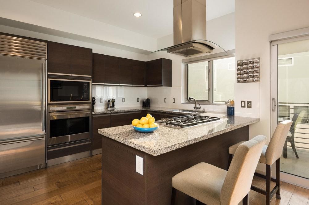 3119 Va Dolce Marina del Rey-large-007-16-Kitchen-1500x997-72dpi.jpg