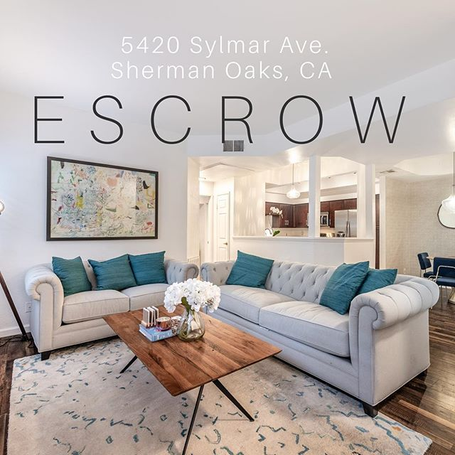 🌴🏡 ESCROW 🏡🌴 Great way to start the week! This one went quick.. Just 10 days & multiple offers over asking price! Happy sellers!! 😍🏡✨ @jhawkhomes @douglasellimancalifornia @douglaselliman #wilderpossibilities #losangeles #shermanoaks #escrow #douglaselliman #sheltonwildergroup #ilovemyteam