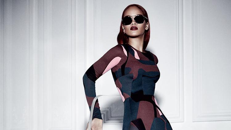 Rihanna-Dior-magazine-rihanna-38869852-1440-900[1].jpg