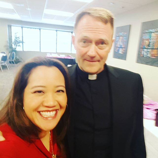 Great to meet Bishop -Elect Mueggenborg! He has served in high school & campus ministry and is excited to meet all of you! #newauxbishop #seattlearchdiocese