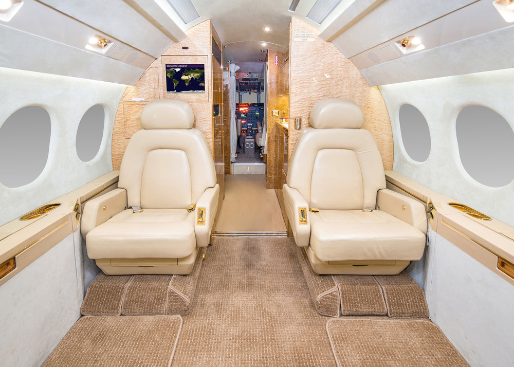 int fwd 2 seats.jpg
