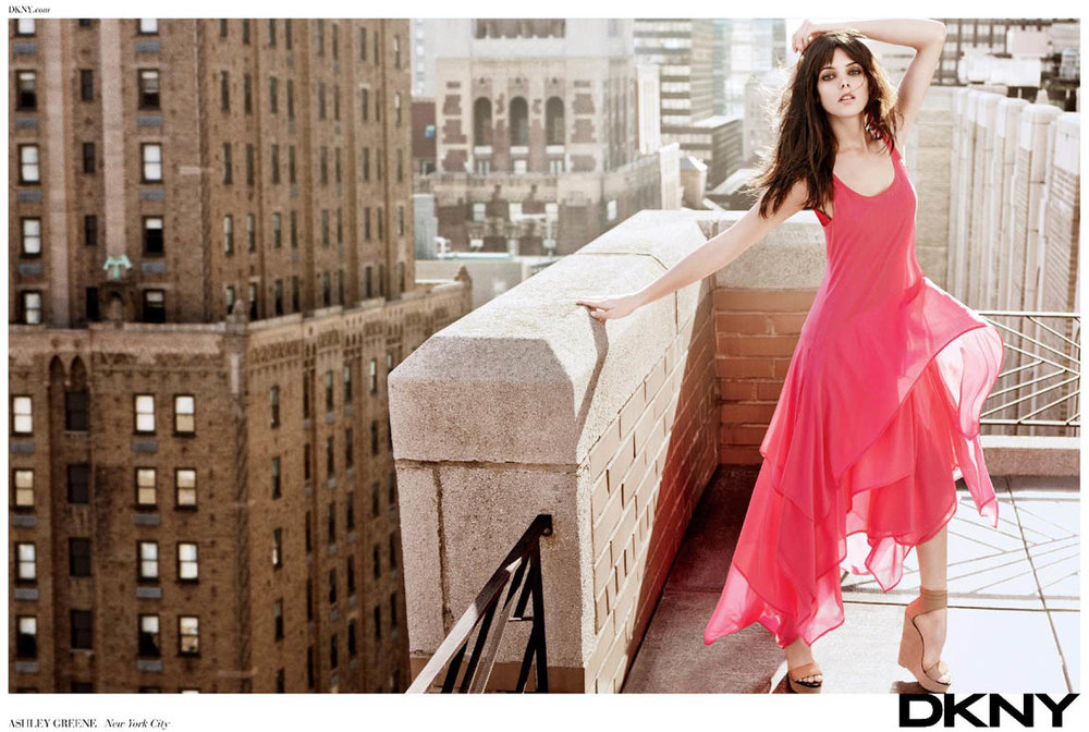 Ashley-Greene-DKNY-New-York-rooftop-ad-campaign.jpg