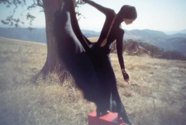 Gigi-Hadid-WSJ-Magazine-Inez-Vinoodh-04-620x416.jpg