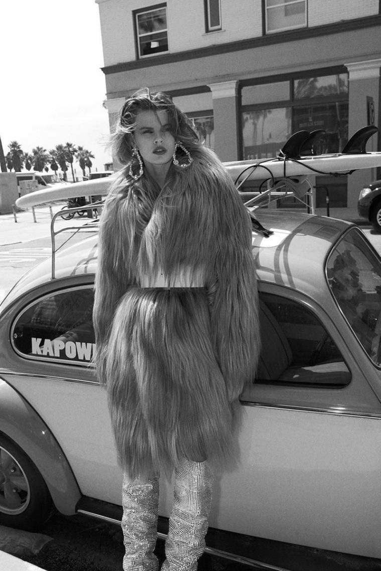 Cara-Taylor-by-Glen-Luchford-for-Vogue-Paris-October-2017-+(4).jpg