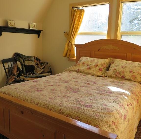 Big Bear Queen Room.jpg