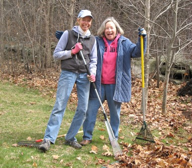 Volunteers Enjoy Raking-r.JPG