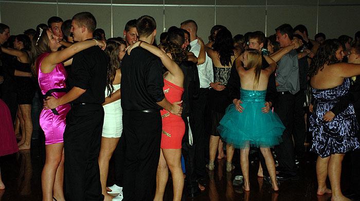profHomecoming-Dance-094.jpg