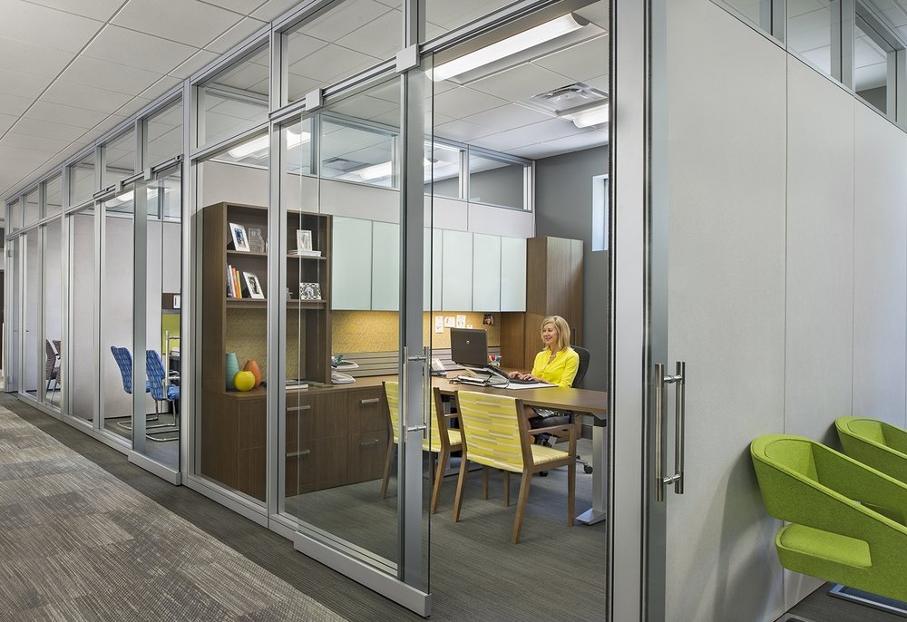 Architectureal Solutions - Movable walls provide a customizable space with all the benefits of traditional walls. They are 100% reconfigurable and can be easily change with a growing business.