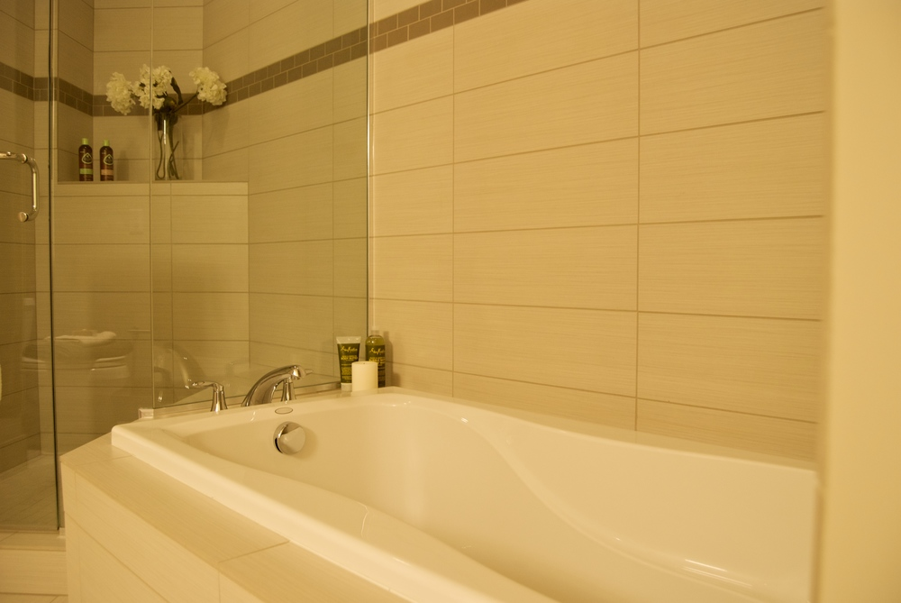 Master bath 2.jpg