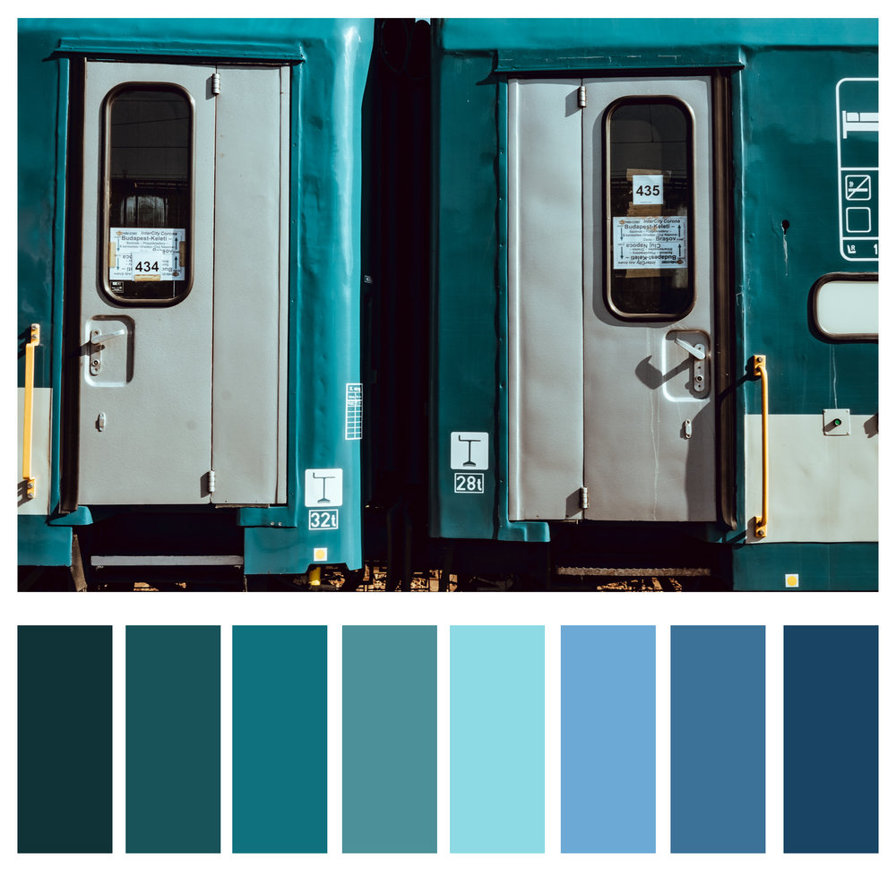 Figure 4a: Varying shades of blue and green are analogous.