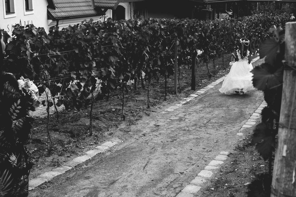 Prague Wedding Photographer (39 of 112).jpg