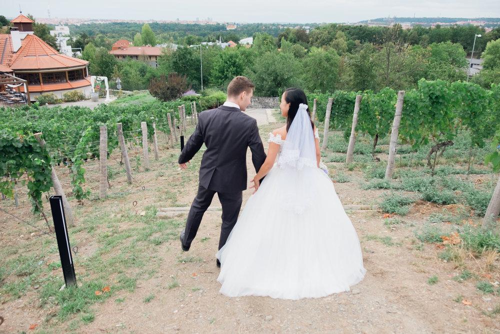 Prague Wedding Photographer (72 of 112).jpg