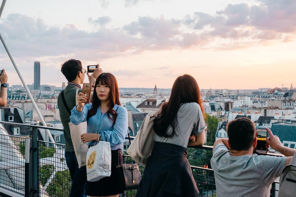 selfies across europe paris street photography