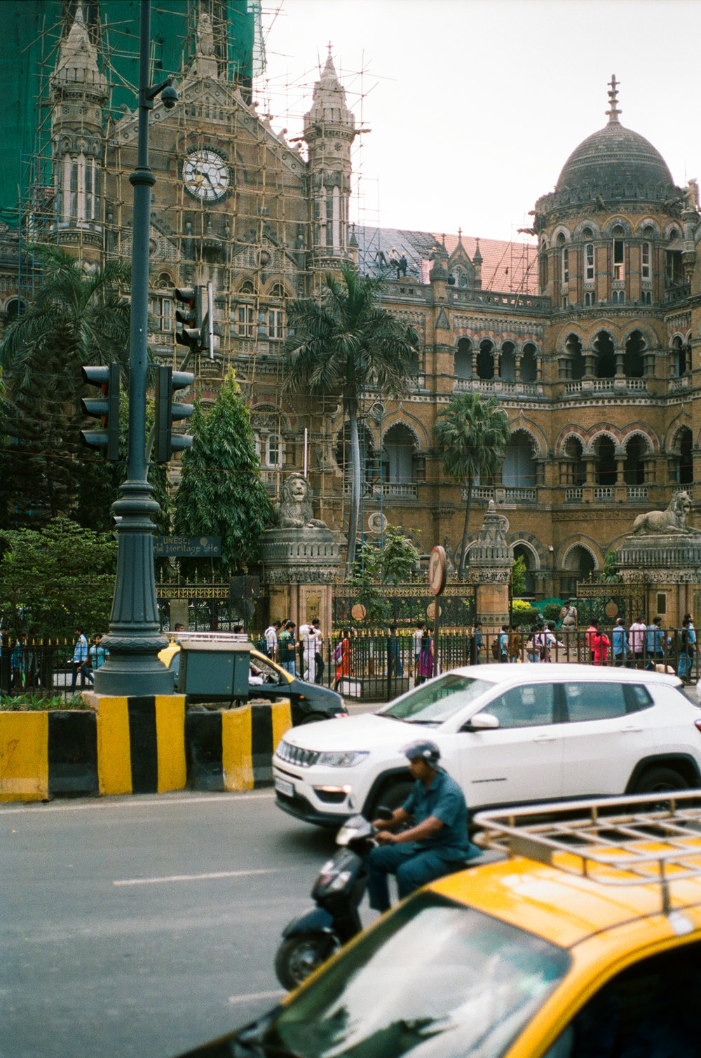 Mumbai Bombay India Portra 400 Minolta X-700 (32 of 65).jpg