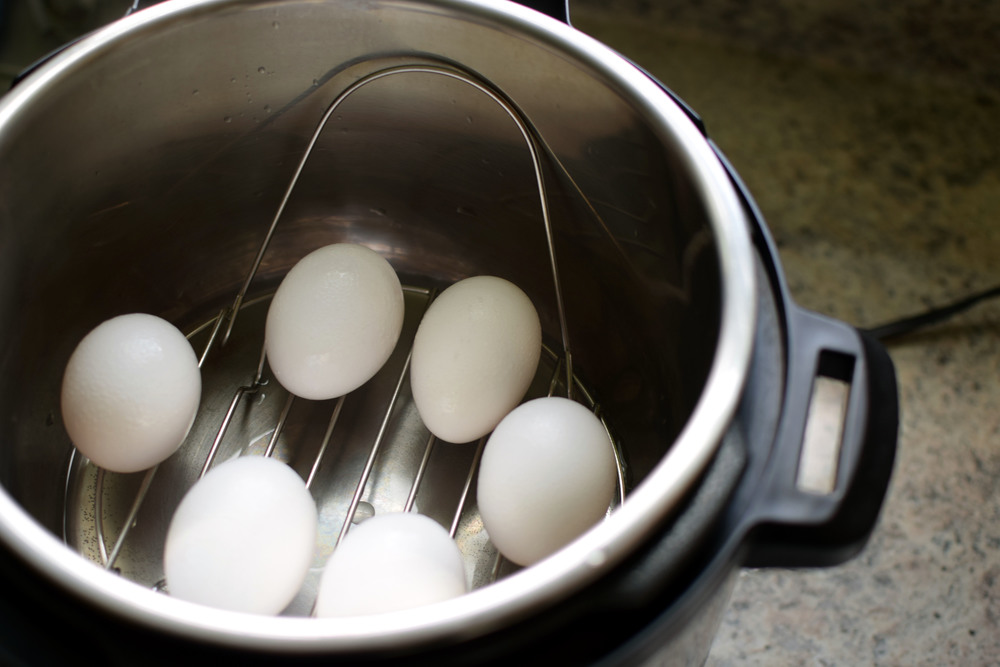 Hard boiled eggs in 6 minutes