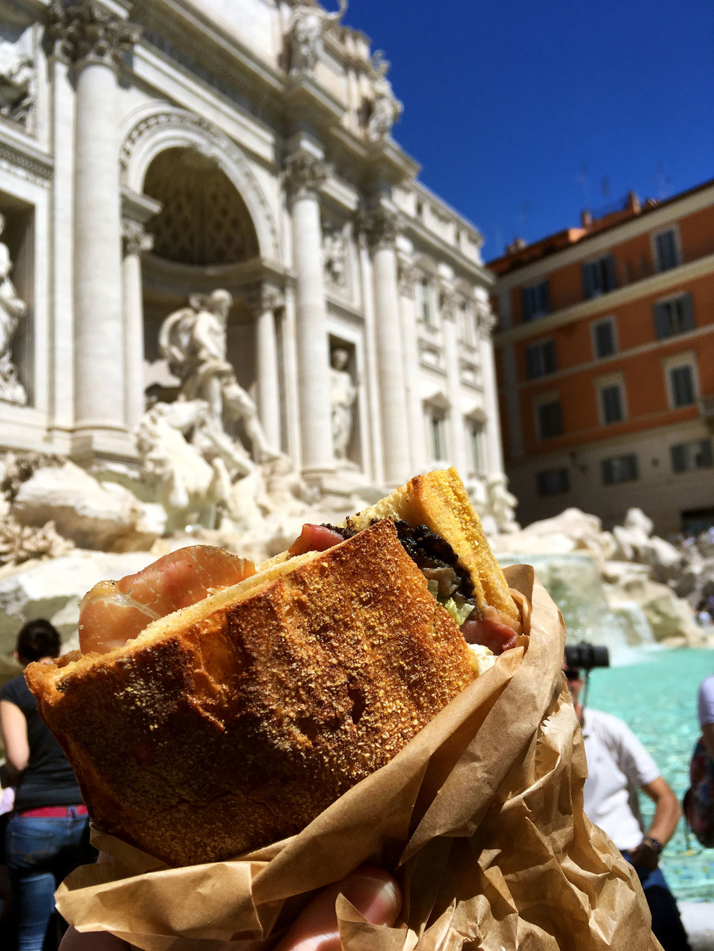 trevi-fountain-lunch