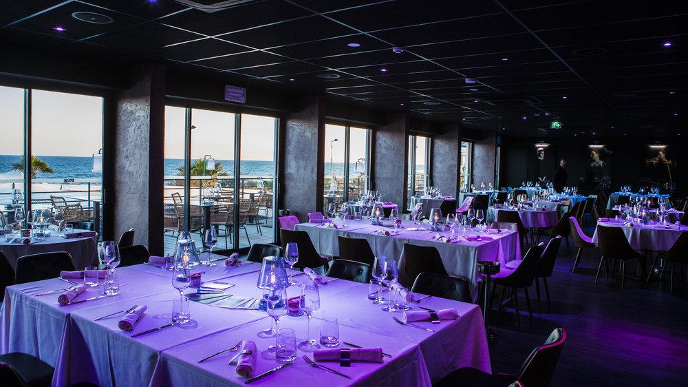 Bienvenue au Kitchen by Gus - Restaurant de qualité, vue panoramique.