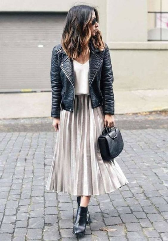 Source:  http://fromluxewithlove.com/40-fall-street-style-outfits-to-inspire/