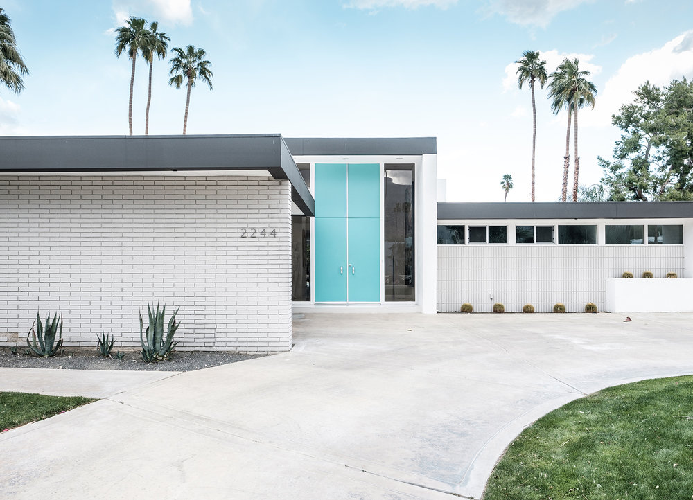 adore_blog_aqua_blue_door_palm_springs_tour.jpg