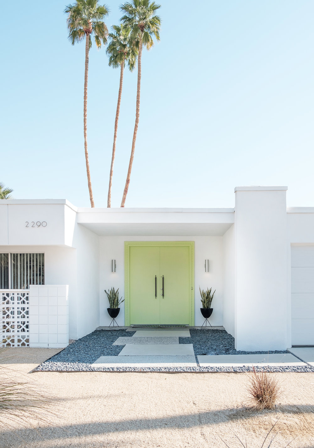adore_blog_lime_green_door_palm_springs_tour.jpg