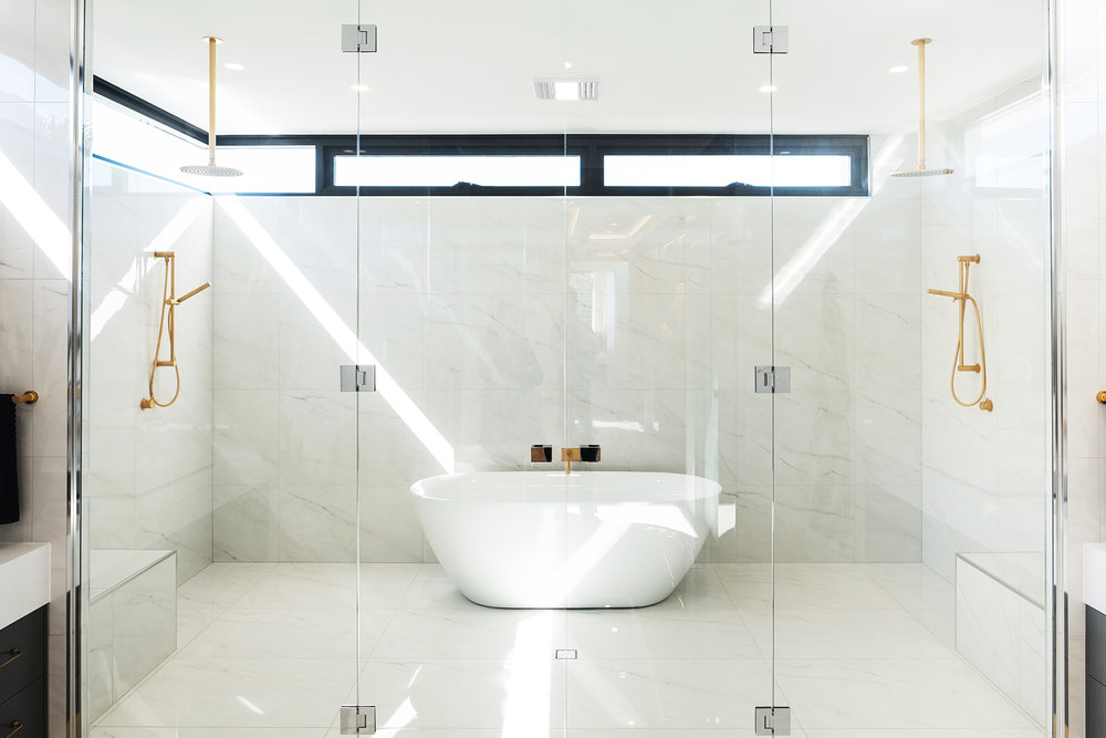 aston_milan_ensuite_bathroom_glamour_luxe.jpg