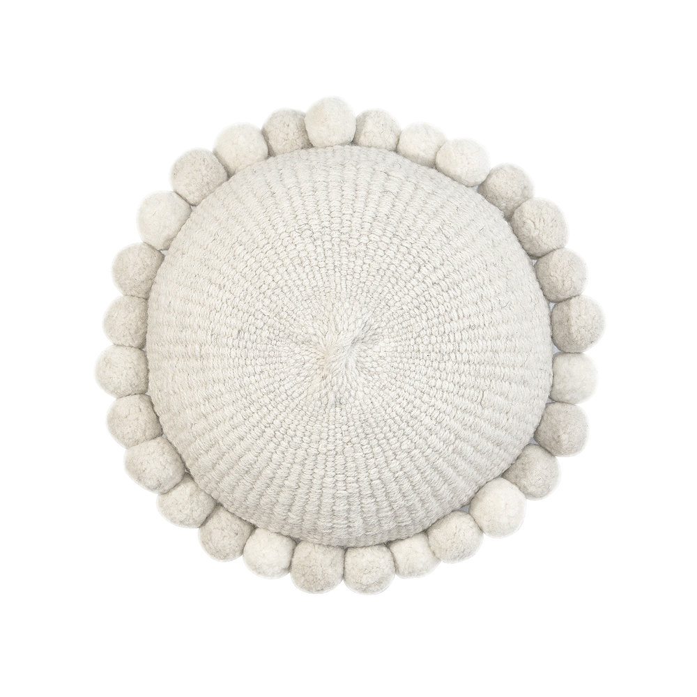 LR_Monte Round Cushion White #1_White  .jpg