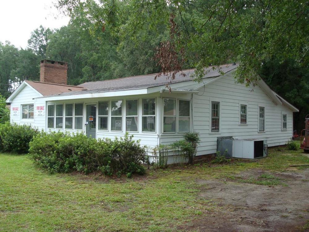 This home was in Darlington before we were called to relocate it to McBee.