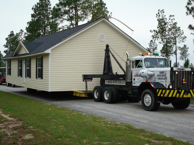 This house in Kershaw is on its way to a new lot!