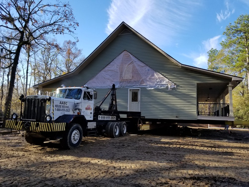 The AABC House Moving team moves a home in Mullins, SC.