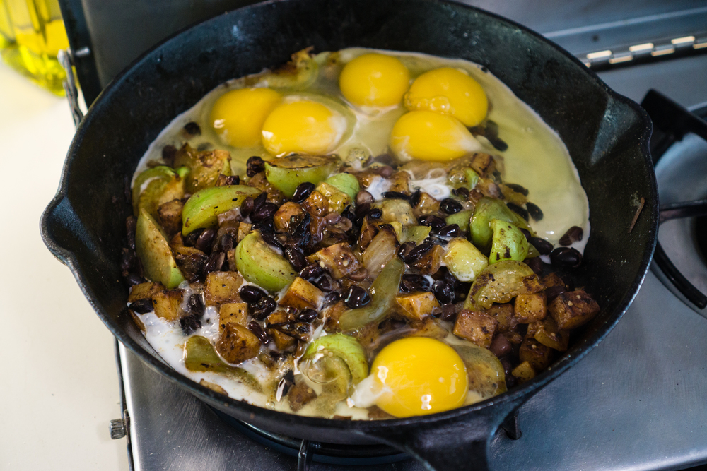 Tomatillo black bean scramble #breakfastprofessionals