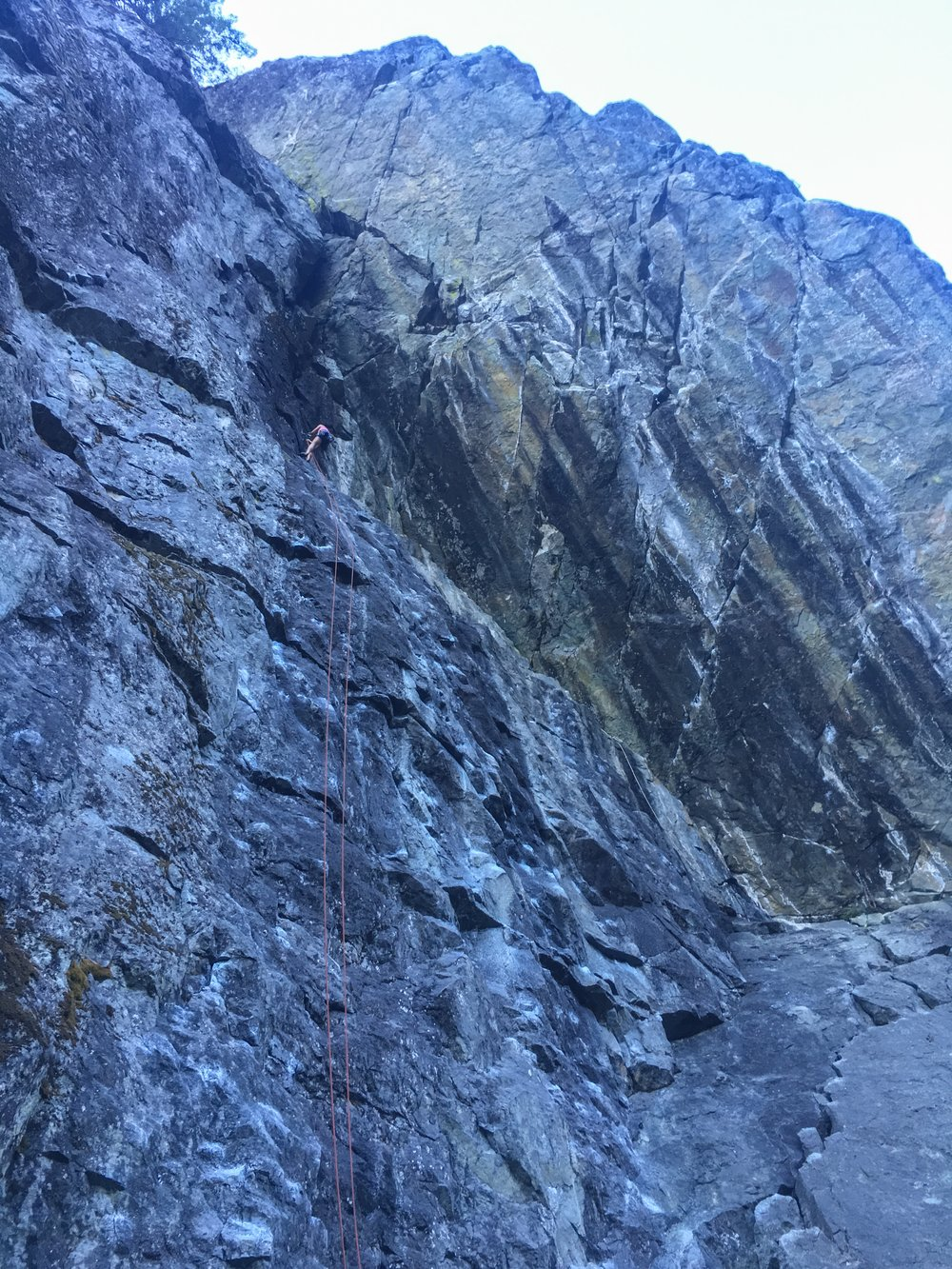 Rapping down off one of our favorite routes in Chek (Dark Don't Lie 5.11a)