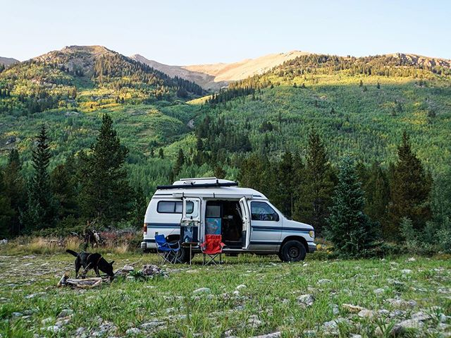 Rockies base camp ⛰🚐🐺