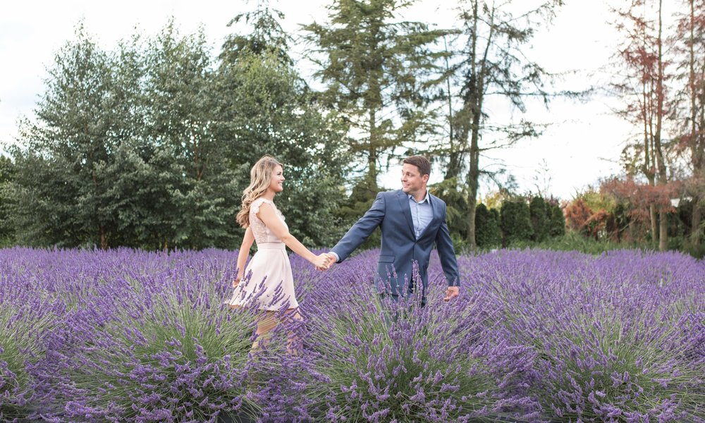 Couples - Couples sessions that are romantic, flirty, and picturesque. Click to see gallery.
