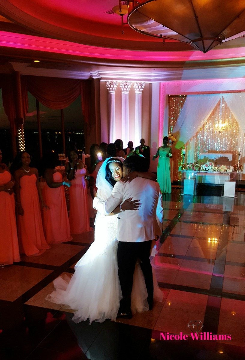 neckishia-dane-first-dance-2.jpg