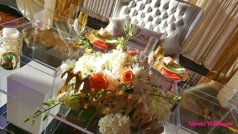 neckishia-dane-wedding-sweet-heart-table.jpg