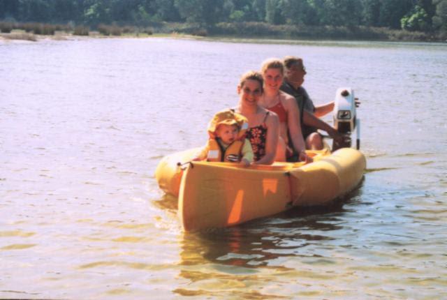 canoe_front.jpg