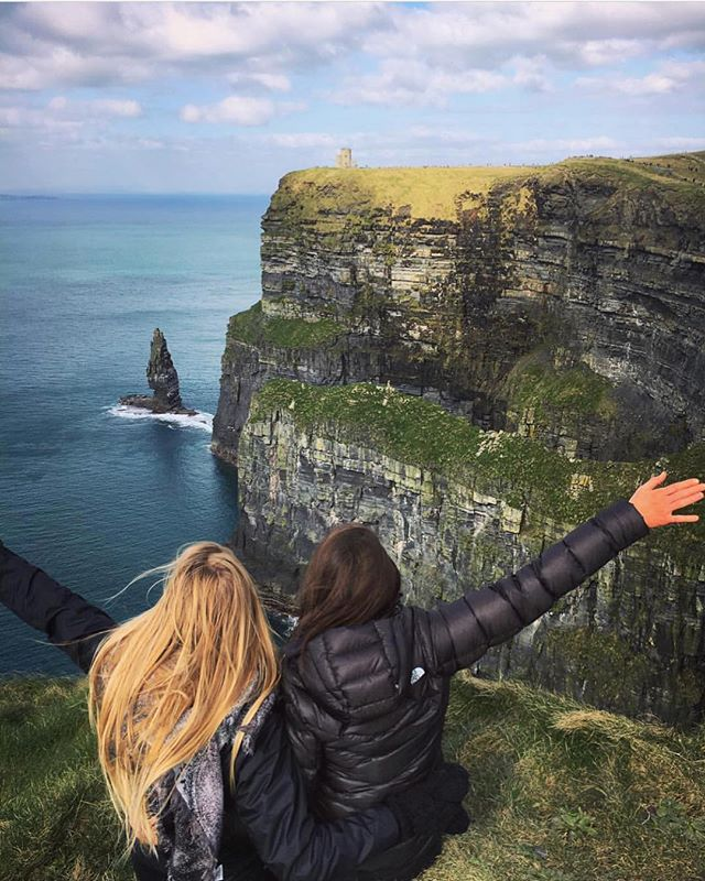 Irish we were there...we're pretty green with envy. ☘️🇮🇪 @fionamurphy11 feeling the luck of the Irish at the Cliffs of Moher. Are you feeling lucky? Make sure you don't miss our #giveaway - $100 gift card to Southwest Air plus travel #swag {link in bio}
