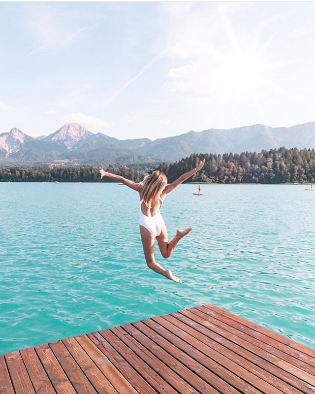 Leaping into the weekend like.... ............It's almosttt Friday, where are you headed?? 📸 @topolindra ——- —— Sign up through the link in the bio for more deals and steals sent straight to your inbox. Follow us on Facebook for  live travel updates and deals. —— —— —— —— #travelgram #livetravelchannel #instatravel #wanderlust  #aroundtheworld #beautifuldestinations #sharetravelpics #bucketlist #travelinspiration #instapassport #passionpassport #girlmeetsglobe #ig_today #letsgosomewhere  #igtravel #fodorsonthego #LoveTheWorld #huffpostgram #tripadvisor #travelphotooftheday #girlsLOVEtravel #BBCtravel #LoveTheWorld