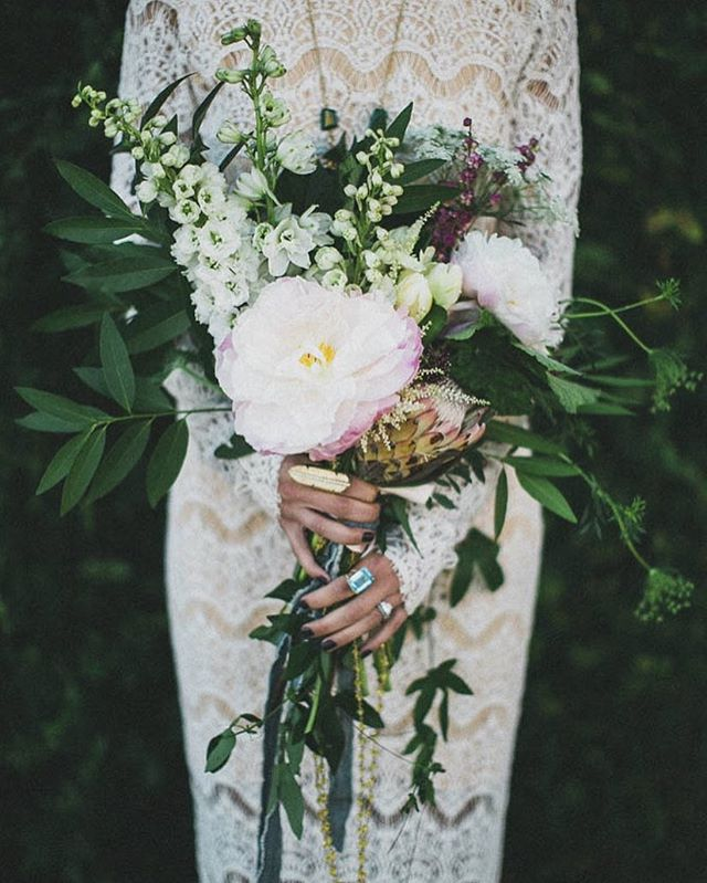 FLOWERS #Bridalinspo - Shoot: root75 | Photo: StudioCastillero
