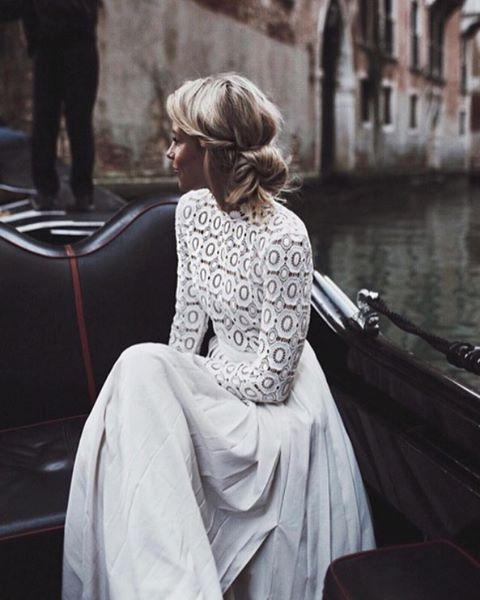 LACE #DressInspo - Rg: @happilygrey @emmylowephoto #Italyadventure #Venice #hgtravel