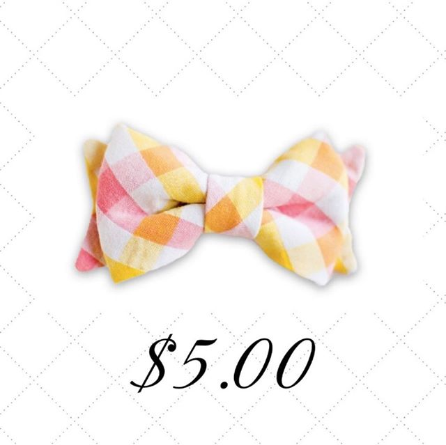 This bright bowtie will surely liven up a day of fun in the sun!