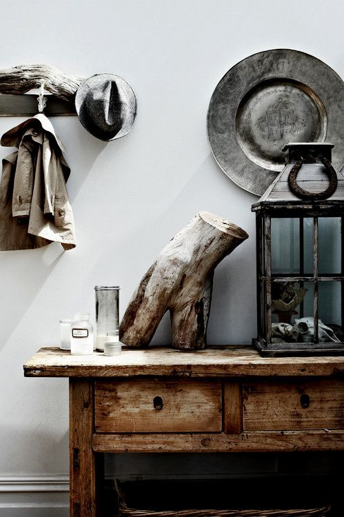 Rustic table piece and hat