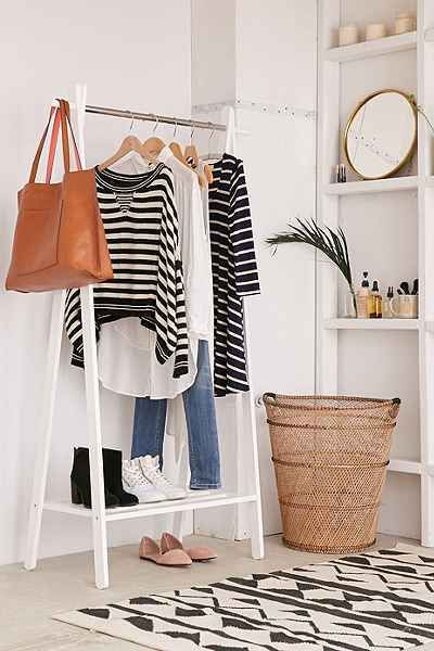 Garment rack with shoe rack