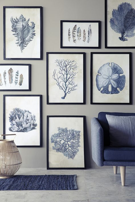 Gallery wall with blue tones