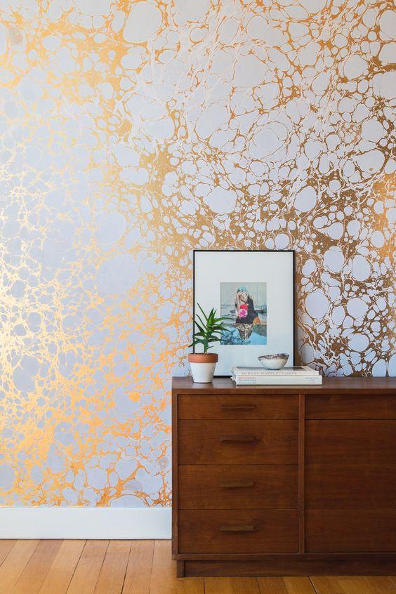 gold wallpaper interior