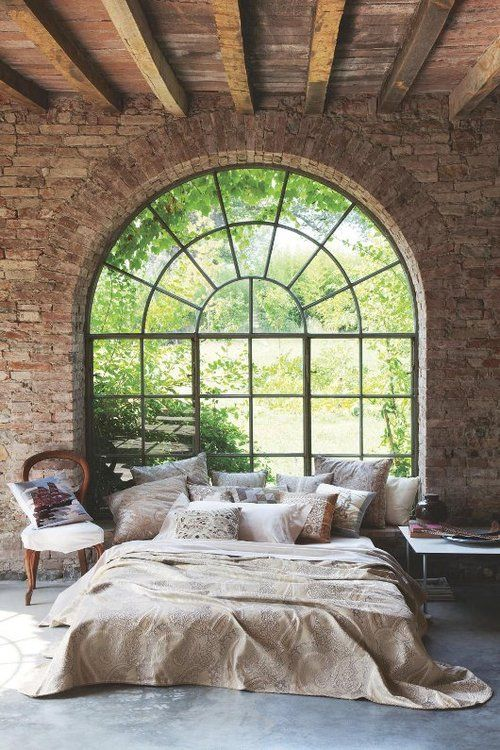 arch window in bedroom
