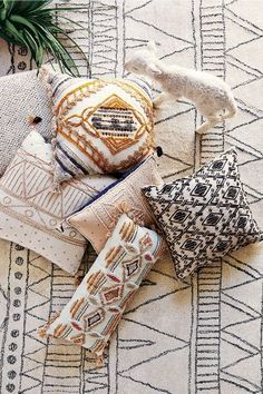 linen fabric pillows