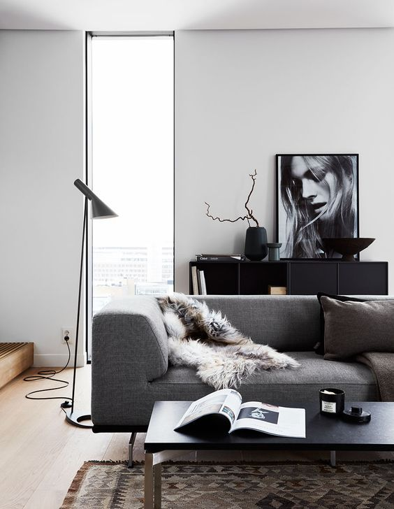 1. KEEP YOUR LIVING AREA CLEAN YET COSY WITH DARK HUES AND INTERESTING TEXTURES
